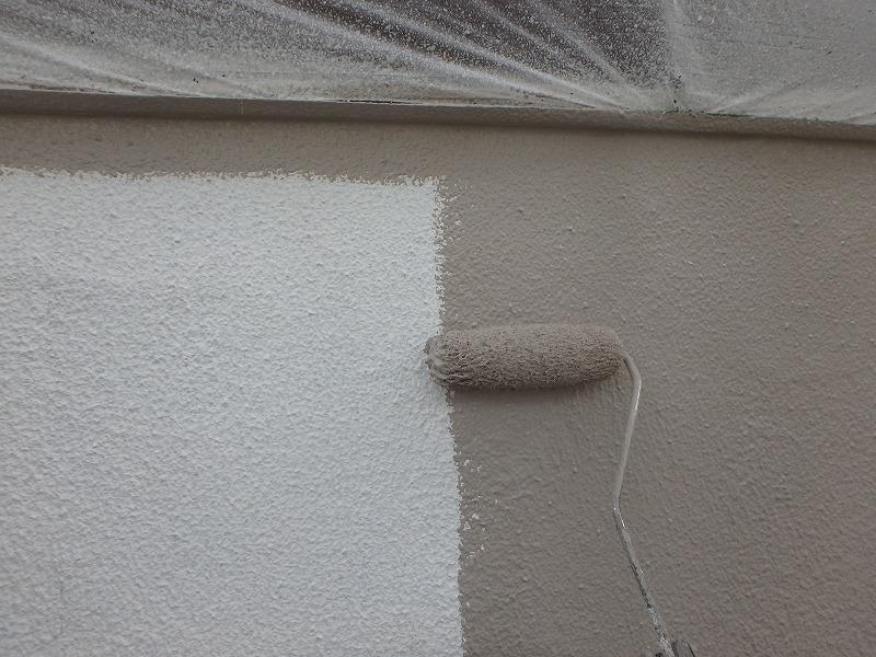 水性シリコンで中塗り