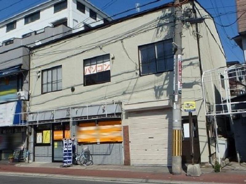 藤井寺市の外壁塗装後の店舗ビル