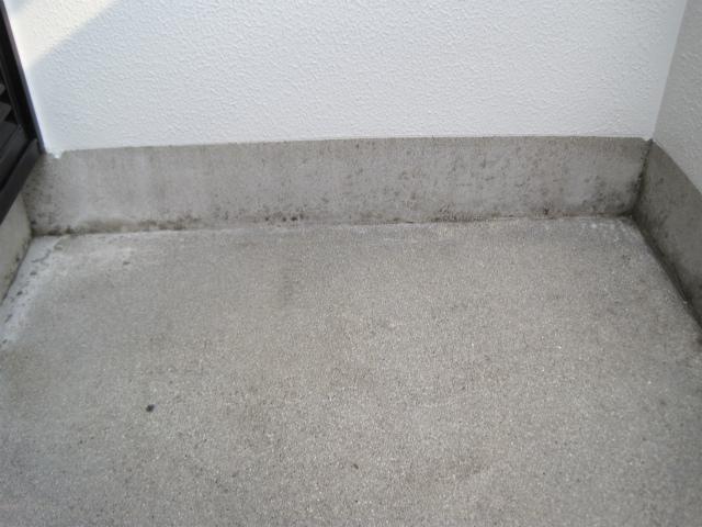 ベランダ床(塗装前)