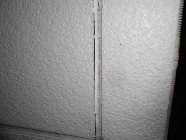 外壁のひび割れ(サイディング目地)