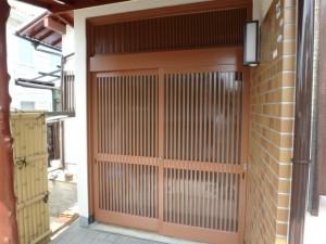 玄関扉の木部塗装後