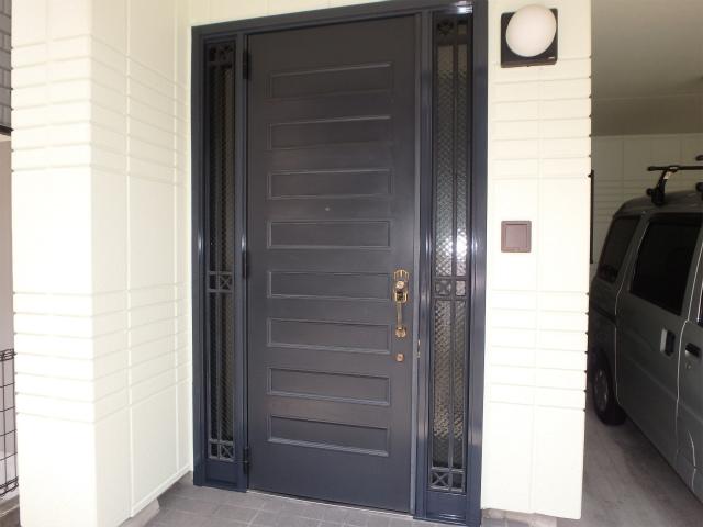 塗装後の玄関廻り