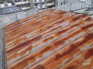 物置屋根塗装前