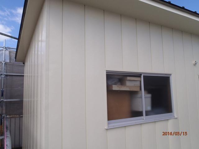 物置の金属サイディングの防水塗装が完成