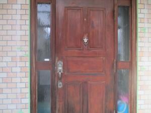 玄関扉塗装前