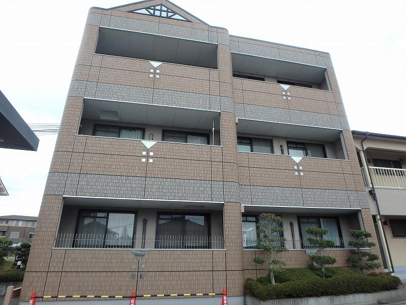 塗装前のマンションベランダ側の外観