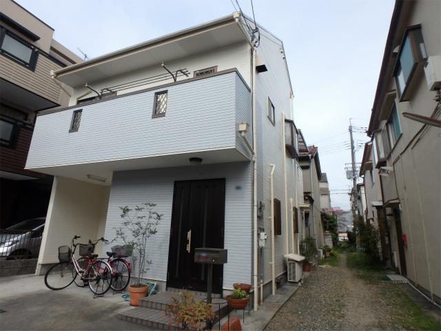 八尾市の塗装工事完成の家