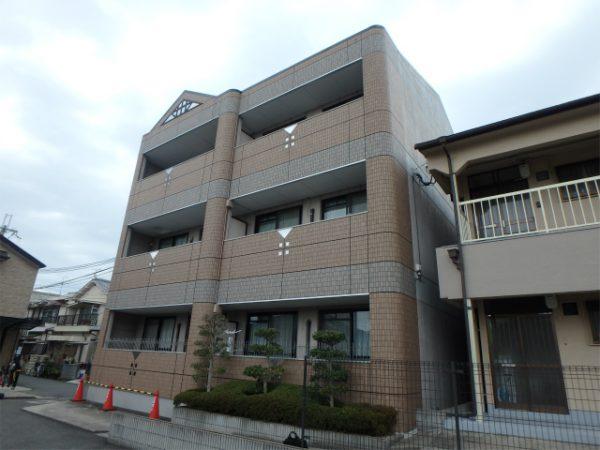 羽曳野市のマンション塗装の建物