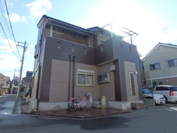 塗装完成の家
