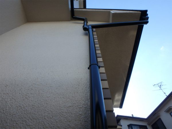 外壁と雨樋の塗装後