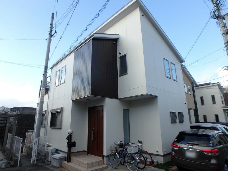 羽曳野市のモダンな一戸建ての塗装工事