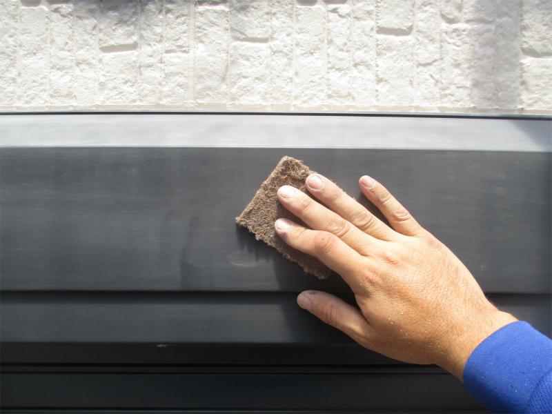 シャッターボックス塗装の下地処理