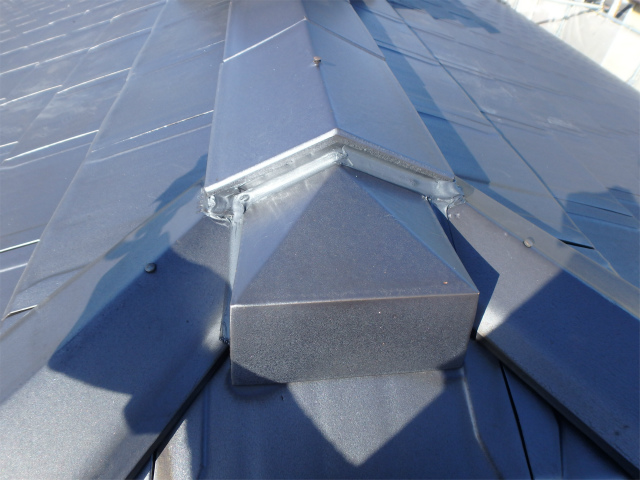 屋根のコーキング補修