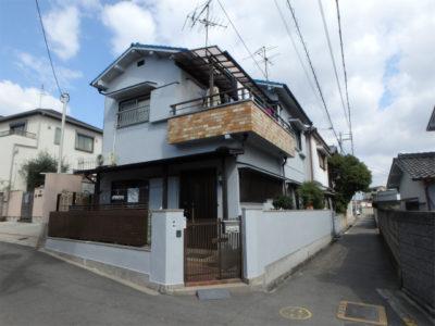 大阪狭山市の外壁塗装とベランダ防水工事の家