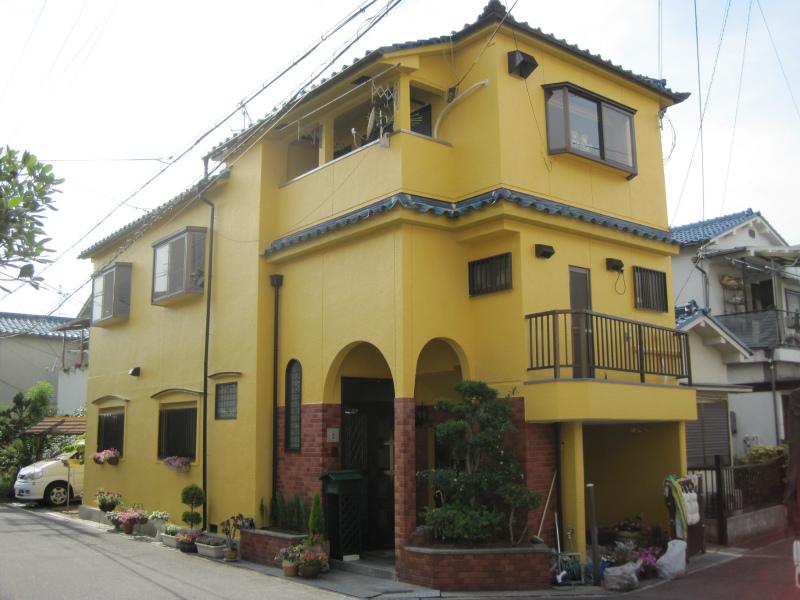 羽曳野市の黄色の家