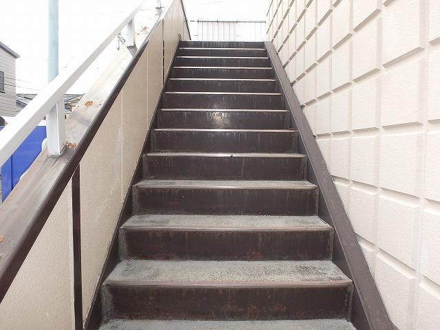 階段 塗装前