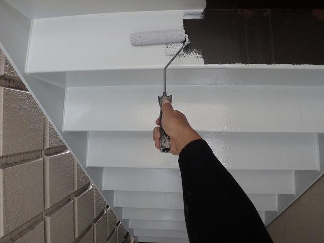 階段裏 サビ止め