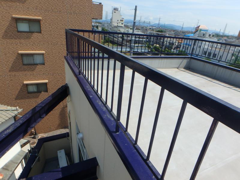 屋上防水工事と鉄部の点検