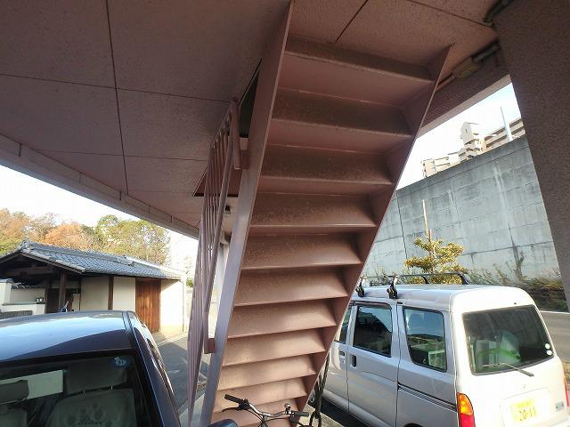 階段裏塗装