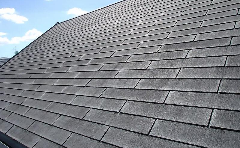 屋根塗装前の劣化したスレート