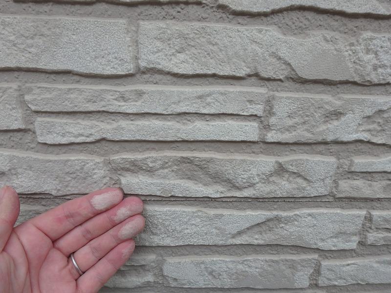 外壁のチョーキング検査