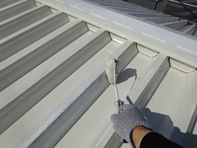 パナホームの折半屋根塗装