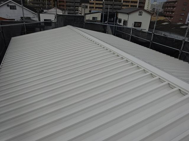 パナホームの折半屋根塗装完了