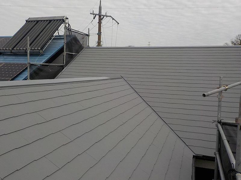 屋根ガイナ塗装完了