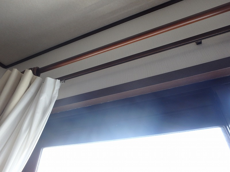 雨漏りしている窓枠
