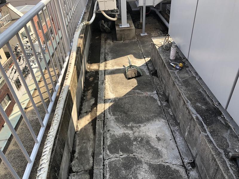屋上防水施工前の清掃