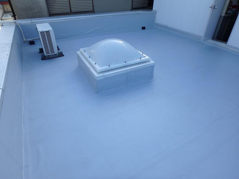 塩ビシート防水機械固定工法の完成