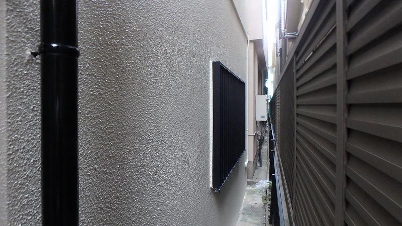 狭い路地の塗装完了