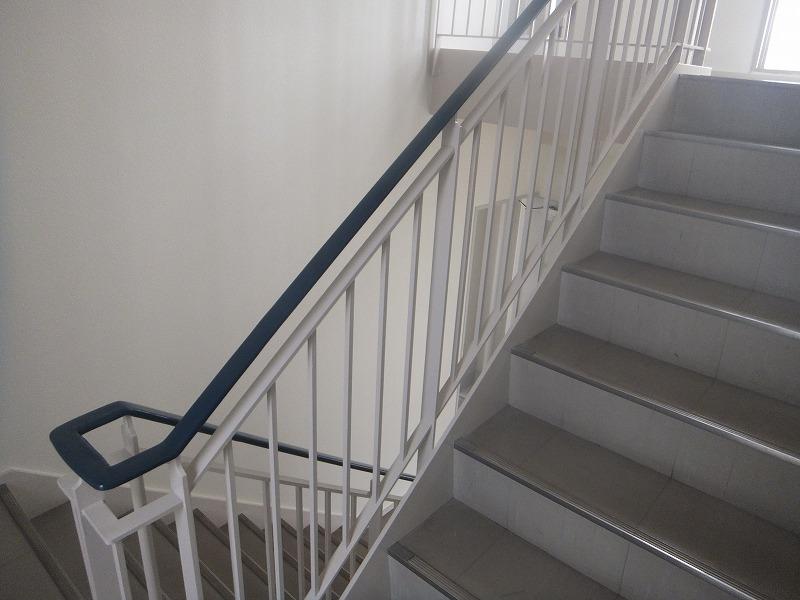 階段室塗装後