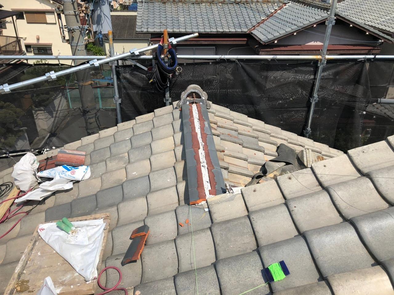 下屋根棟工事
