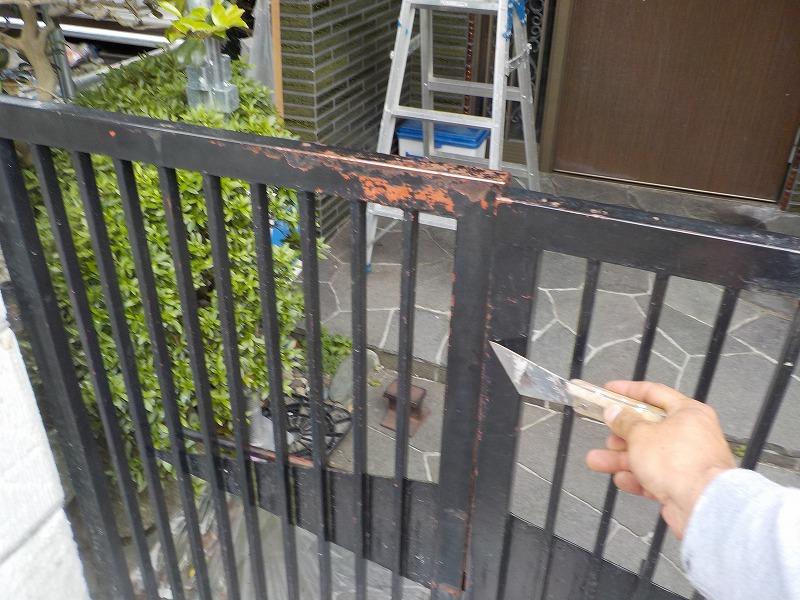 門扉の清掃と研磨