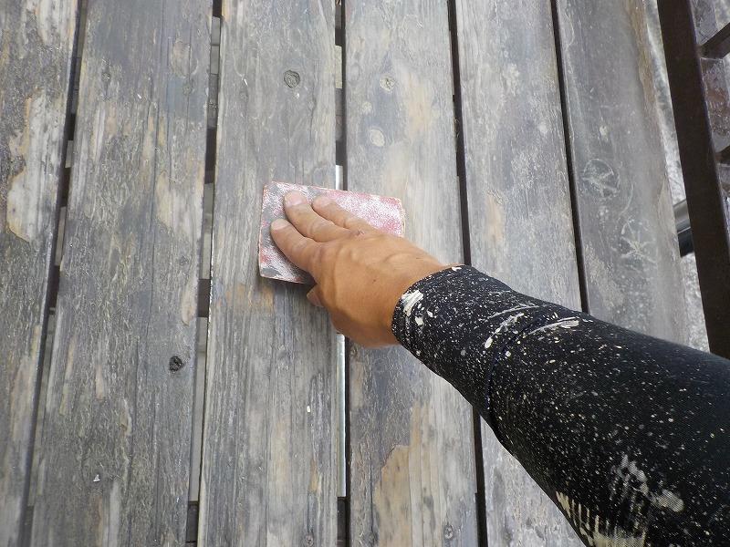 ベランダ木部清掃と研磨