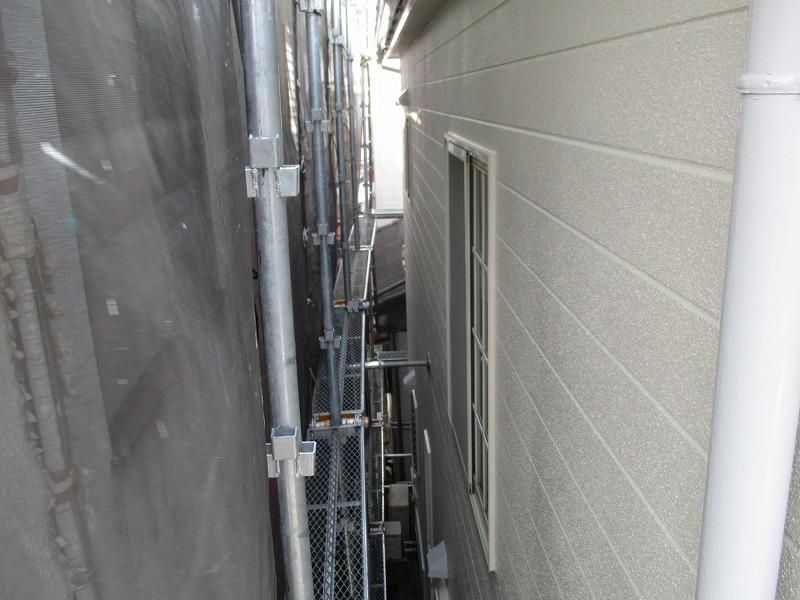 隣家と隣接する外壁塗装後