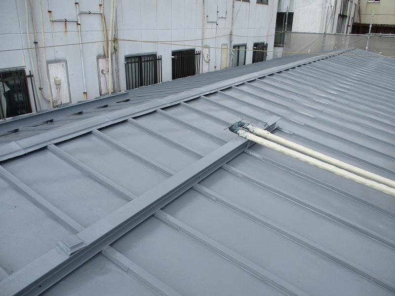 瓦棒屋根 塗装完了