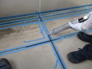 廊下床 コーキング工事