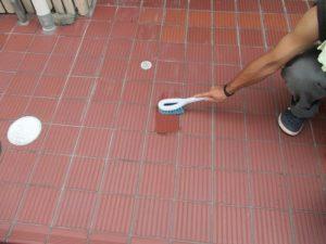 土間タイル薬品洗浄