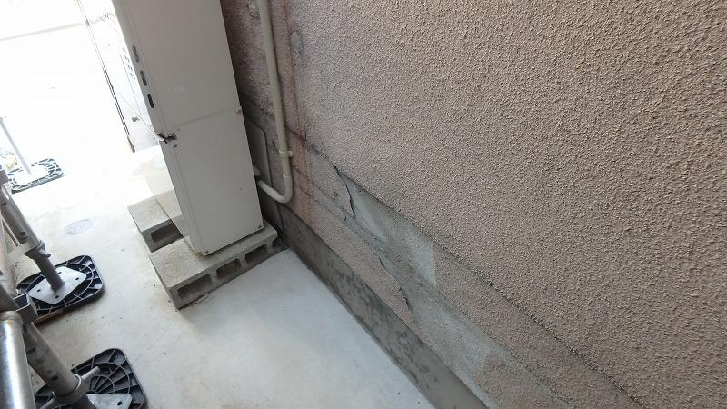 外壁の塗膜剥がれ