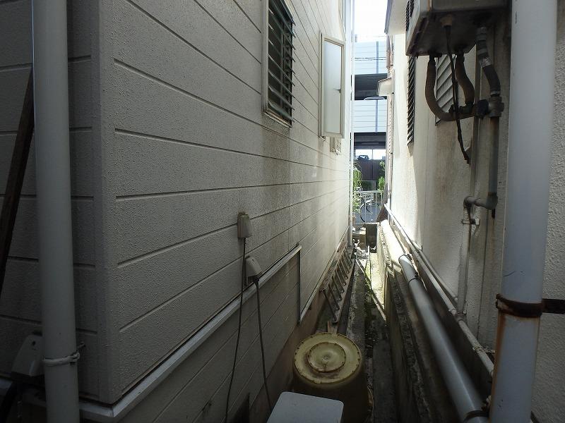 隣家との隙間