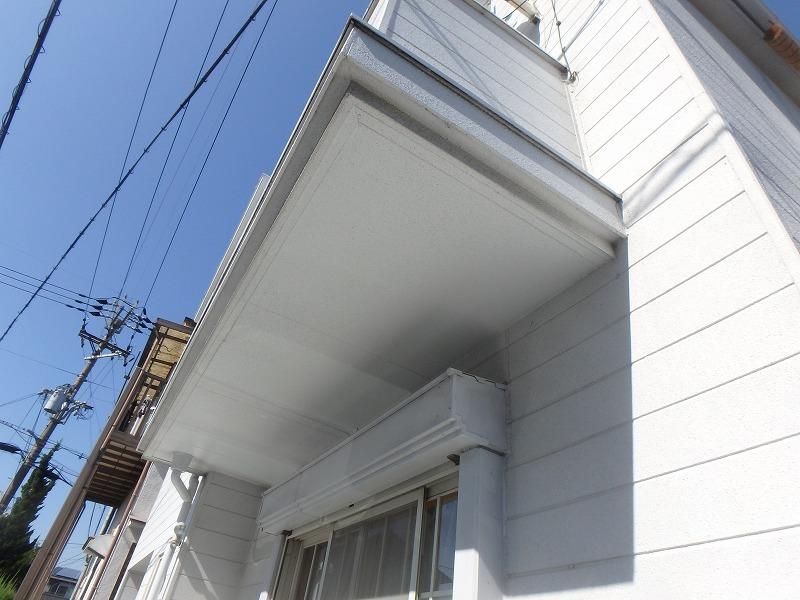 外壁塗装前のベランダ下