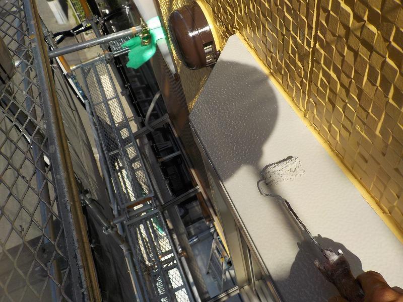 出窓の屋根の塗装