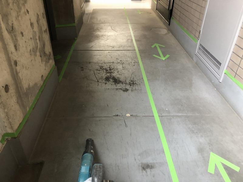 廊下床ボウジン塗装