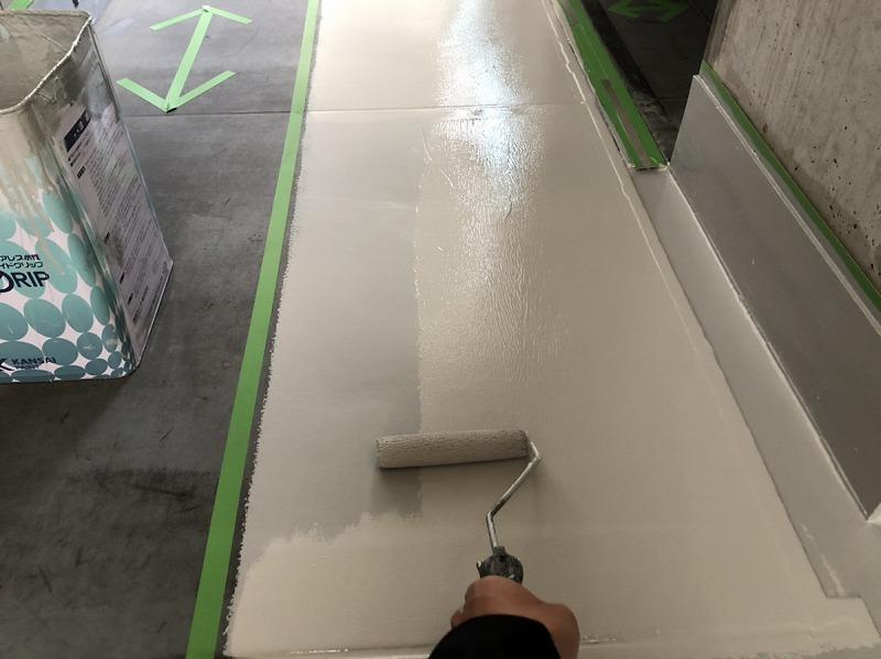 廊下床ボウジン上塗り