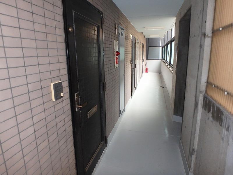 廊下塗装完了