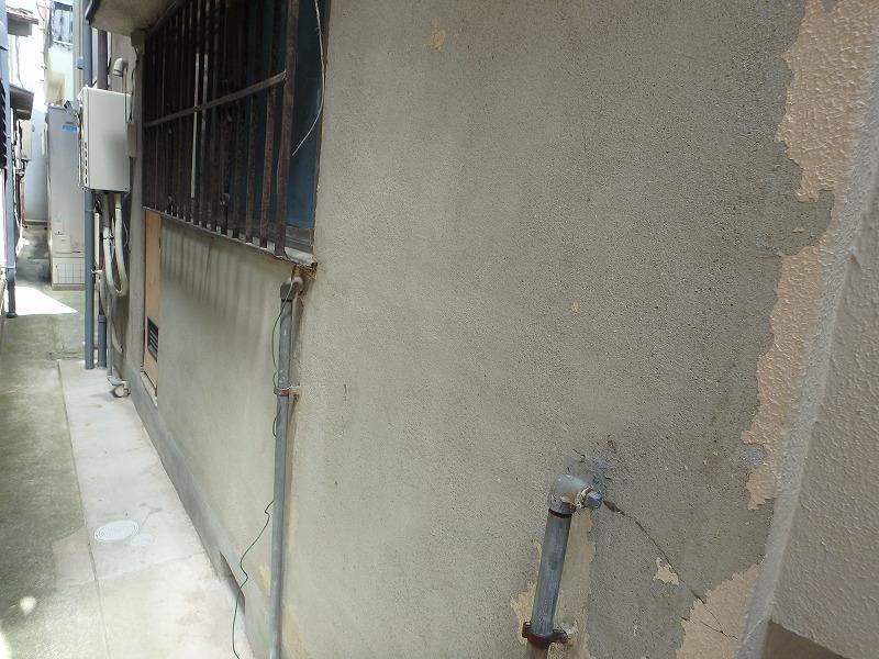 剝がれてしまった外壁