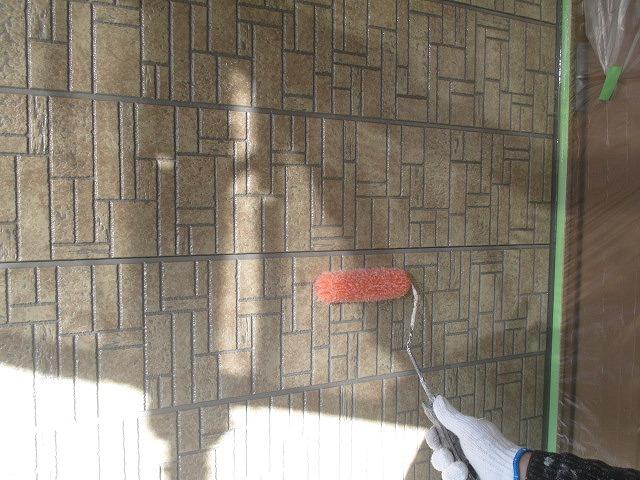 外壁のクリア塗装上塗り