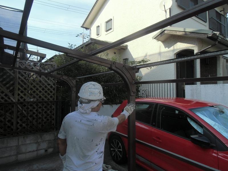 波板張替え前のカーポートの塗装